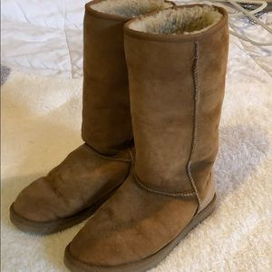 Tall uggs tan used condition